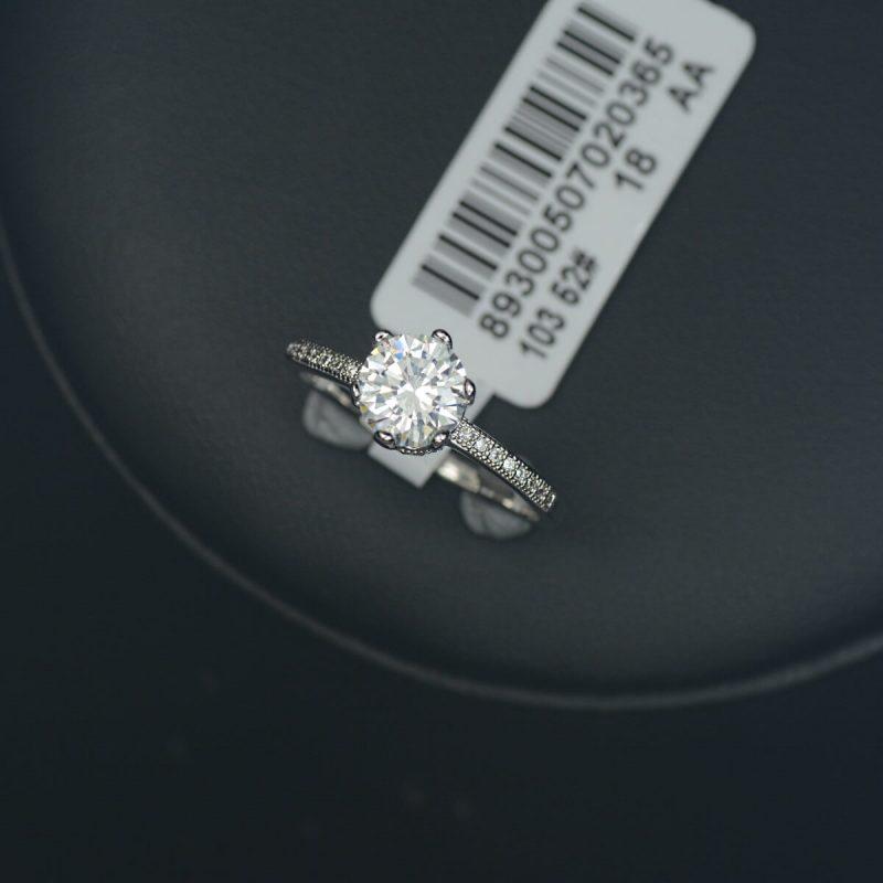 Silver Diamond - Ring
