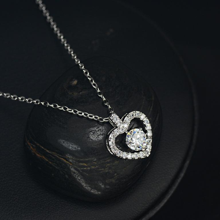 Heart of Silver - Zirconia Halskette